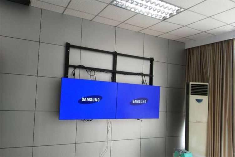 installation of indoor LCD video wall screen